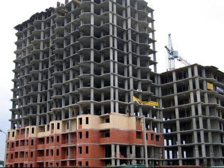 В чем плюсы технологии монолитного строительства домов для строителей?