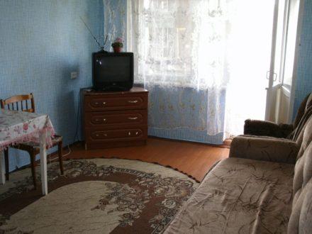 Сдам на длительный срок однокомнатную квартиру на 5-м этаже 5-этажного дома площадью 32 кв. м. в Самаре