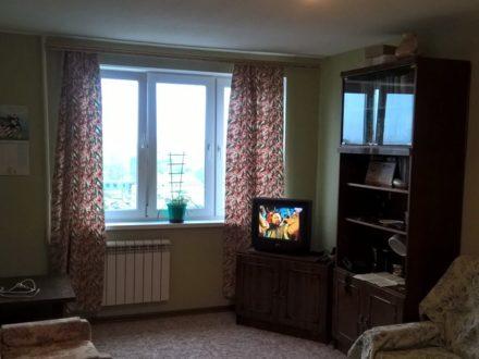 Сдам на длительный срок однокомнатную квартиру на 7-м этаже 9-этажного дома площадью 37 кв. м. в Архангельске