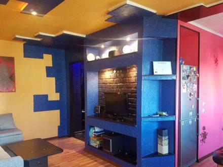 Продам двухкомнатную квартиру на 5-м этаже 5-этажного дома площадью 42,8 кв. м. в Магадане