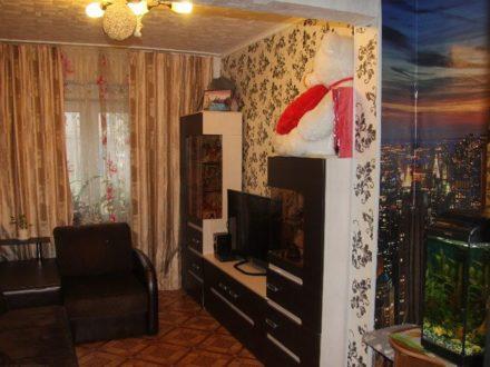 Продам двухкомнатную квартиру на 1-м этаже 5-этажного дома площадью 50 кв. м. в Калуге