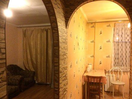 Сдам на длительный срок однокомнатную квартиру на 3-м этаже 9-этажного дома площадью 40 кв. м. в Красноярске