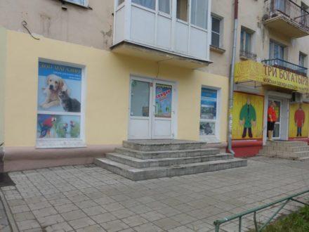 Сдам торговое помещение площадью 42 кв. м. в Омске