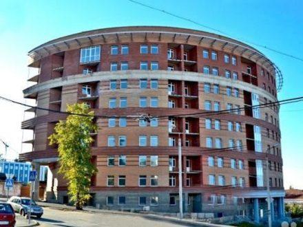 Продам четырехкомнатную квартиру на 6-м этаже 8-этажного дома площадью 128 кв. м. в Перми