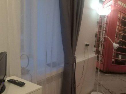 Сдам посуточно однокомнатную квартиру на 1-м этаже 1-этажного дома площадью 23 кв. м. в Костроме