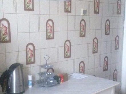 Сдам посуточно двухкомнатную квартиру на 4-м этаже 4-этажного дома площадью 50 кв. м. в Нарьян-Маре