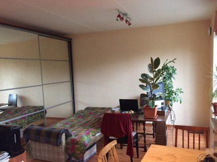 Продам студию на 2-м этаже 3-этажного дома площадью 40 кв. м. в Петрозаводске