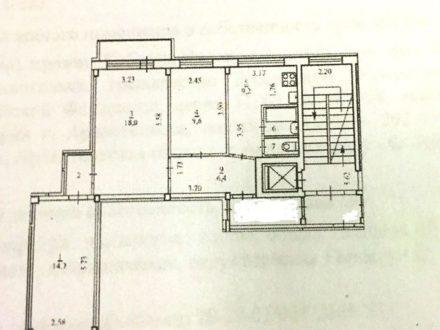 Продам трехкомнатную квартиру на 4-м этаже 9-этажного дома площадью 63 кв. м. в Архангельске