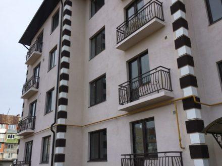 Продам трехкомнатную квартиру на 4-м этаже 4-этажного дома площадью 75 кв. м. в Нальчике
