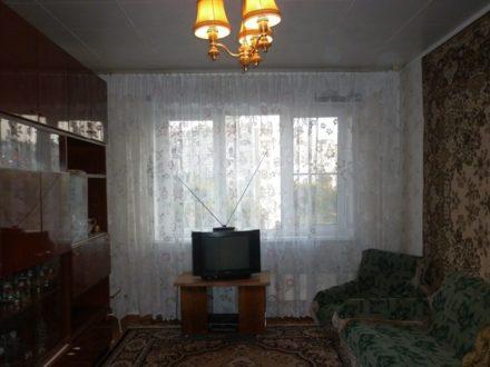 Сдам на длительный срок двухкомнатную квартиру на 5-м этаже 9-этажного дома площадью 54 кв. м. в Туле