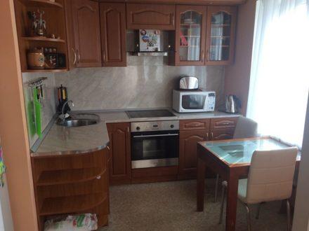 Продам двухкомнатную квартиру на 2-м этаже 5-этажного дома площадью 43 кв. м. в Магадане