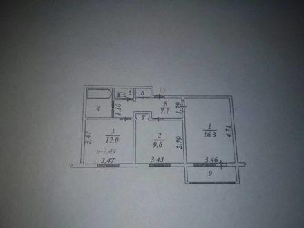 Продам двухкомнатную квартиру на 2-м этаже 2-этажного дома площадью 51,6 кв. м. в Салехарде