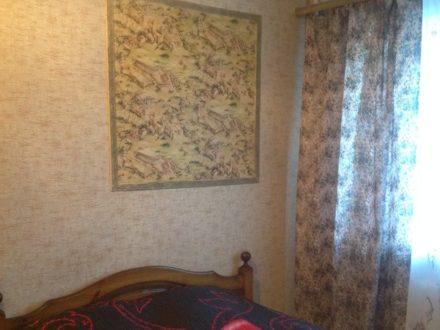 Сдам посуточно однокомнатную квартиру на 2-м этаже 5-этажного дома площадью 30 кв. м. в Рязани