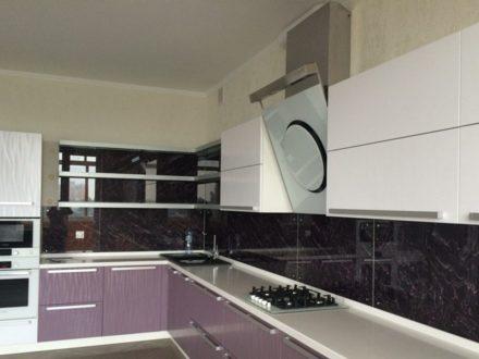 Продам четырехкомнатную квартиру на 7-м этаже 8-этажного дома площадью 215 кв. м. в Липецке