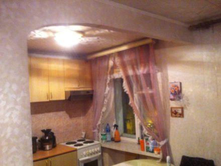 Продам двухкомнатную квартиру на 5-м этаже 5-этажного дома площадью 41,1 кв. м. в Магадане