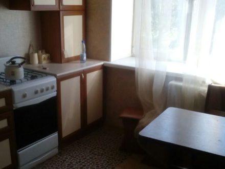 Сдам на длительный срок однокомнатную квартиру на 3-м этаже 9-этажного дома площадью 37 кв. м. в Саранске