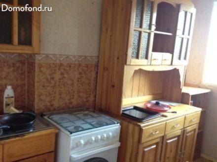 Сдам на длительный срок трехкомнатную квартиру на 3-м этаже 9-этажного дома площадью 57 кв. м. в Мурманске