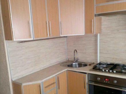Продам трехкомнатную квартиру на 1-м этаже 10-этажного дома площадью 64 кв. м. в Саранске
