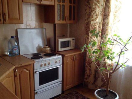 Сдам посуточно однокомнатную квартиру на 1-м этаже 9-этажного дома площадью 40 кв. м. в Ульяновске