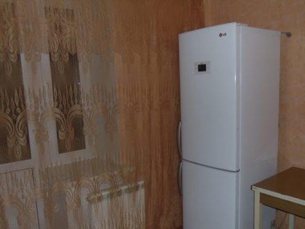 Сдам на длительный срок однокомнатную квартиру на 8-м этаже 10-этажного дома площадью 41 кв. м. в Смоленске