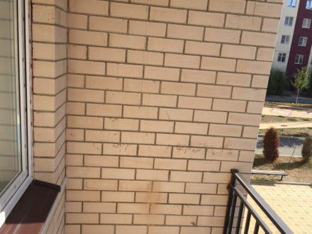 Сдам на длительный срок трехкомнатную квартиру на 2-м этаже 5-этажного дома площадью 105 кв. м. в Магасе
