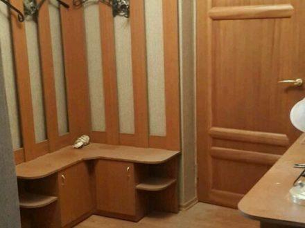 Сдам на длительный срок двухкомнатную квартиру на 4-м этаже 5-этажного дома площадью 52 кв. м. в Воронеже