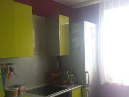 Продам двухкомнатную квартиру на 8-м этаже 9-этажного дома площадью 50 кв. м. в Чите