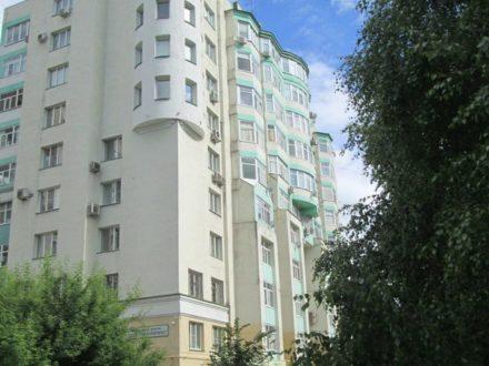 Продам трехкомнатную квартиру на 2-м этаже 10-этажного дома площадью 81,6 кв. м. в Липецке