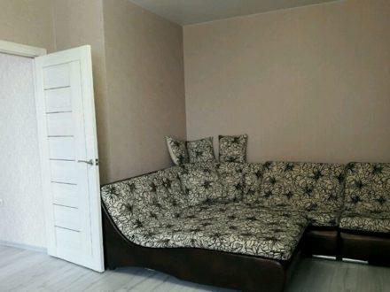 Продам двухкомнатную квартиру на 8-м этаже 10-этажного дома площадью 67 кв. м. в Горно-Алтайске