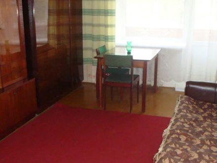 Сдам на длительный срок однокомнатную квартиру на 3-м этаже 6-этажного дома площадью 34 кв. м. в Владимире