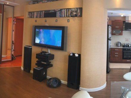 Продам двухкомнатную квартиру на 4-м этаже 9-этажного дома площадью 51,9 кв. м. в Пензе