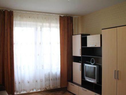 Сдам посуточно студию на 6-м этаже 16-этажного дома площадью 27 кв. м. в Кирове