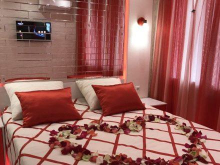 Сдам посуточно однокомнатную квартиру на 2-м этаже 4-этажного дома площадью 40 кв. м. в Йошкар-Оле