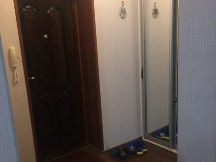 Продам двухкомнатную квартиру на 5-м этаже 5-этажного дома площадью 42 кв. м. в Биробиджане