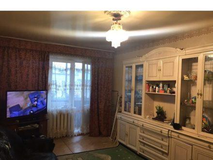 Продам двухкомнатную квартиру на 4-м этаже 4-этажного дома площадью 47 кв. м. в Якутске