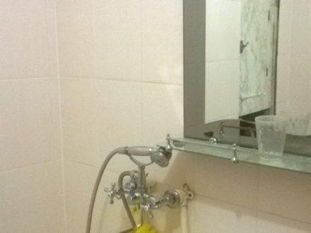 Продам однокомнатную квартиру на 5-м этаже 10-этажного дома площадью 31 кв. м. в Смоленске