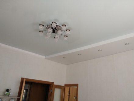 Продам двухкомнатную квартиру на 4-м этаже 4-этажного дома площадью 52 кв. м. в Туле