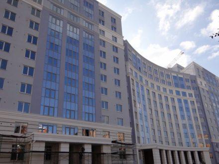 Продам однокомнатную квартиру на 6-м этаже 12-этажного дома площадью 48 кв. м. в Рязани