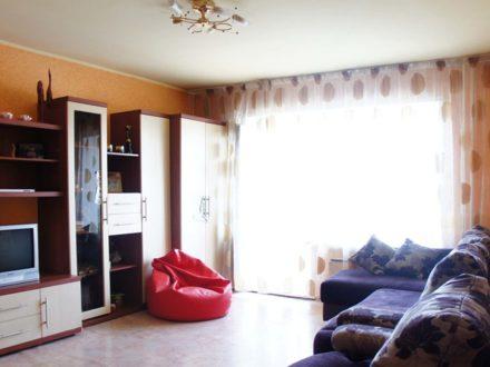 Продам однокомнатную квартиру на 8-м этаже 9-этажного дома площадью 38 кв. м. в Красноярске