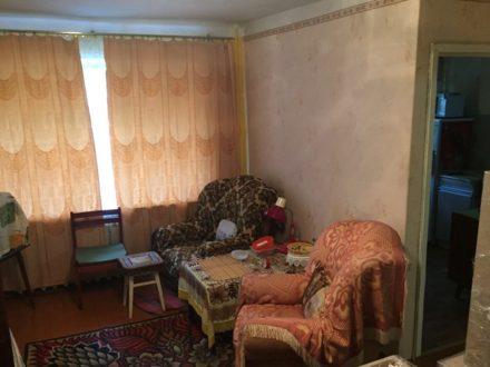 Продам двухкомнатную квартиру на 1-м этаже 5-этажного дома площадью 45 кв. м. в Мурманске