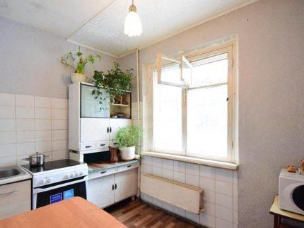 Продам однокомнатную квартиру на 2-м этаже 9-этажного дома площадью 35,4 кв. м. в Томске