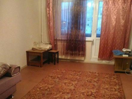 Сдам на длительный срок двухкомнатную квартиру на 5-м этаже 5-этажного дома площадью 54 кв. м. в Калининграде