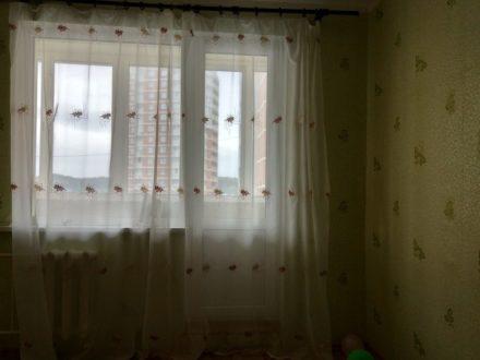 Сдам посуточно однокомнатную квартиру на 8-м этаже 10-этажного дома площадью 36 кв. м. в Пензе
