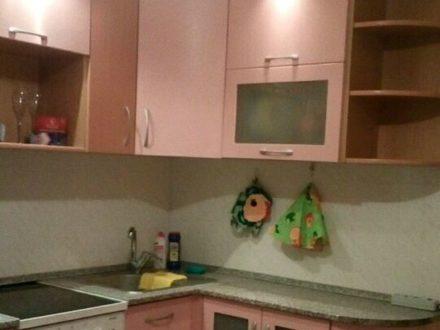 Сдам посуточно однокомнатную квартиру на 10-м этаже 14-этажного дома площадью 48 кв. м. в Красноярске