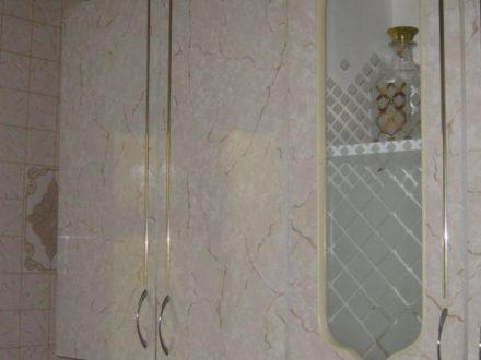Продам двухкомнатную квартиру на 3-м этаже 5-этажного дома площадью 45 кв. м. в Ульяновске