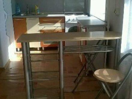 Сдам на длительный срок трехкомнатную квартиру на 3-м этаже 5-этажного дома площадью 60 кв. м. в Кызыле