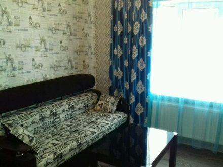 Сдам посуточно однокомнатную квартиру на 1-м этаже 5-этажного дома площадью 21 кв. м. в Майкопе