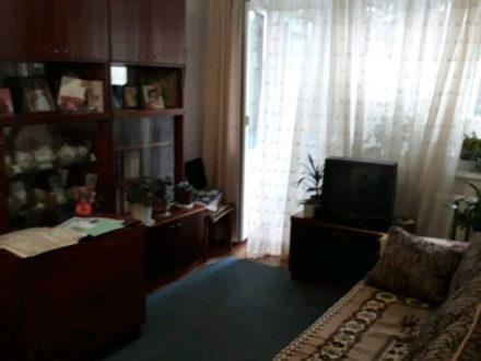 Продам двухкомнатную квартиру на 3-м этаже 5-этажного дома площадью 44 кв. м. в Майкопе
