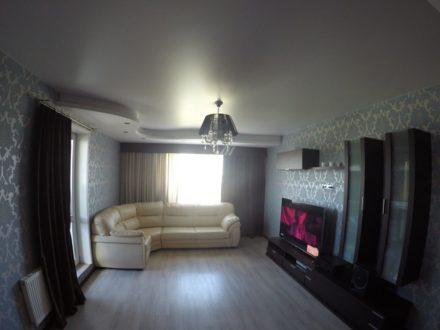 Продам двухкомнатную квартиру на 19-м этаже 20-этажного дома площадью 63,7 кв. м. в Хабаровске