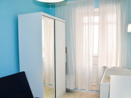 Сдам посуточно двухкомнатную квартиру на 8-м этаже 15-этажного дома площадью 41 кв. м. в Улан-Удэ